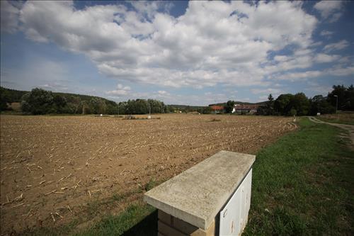 Pozemek označený jako trvalý travní porost o celkové výměře 838m2, obec Krásná Hora nad Vltavou, okres Příbram