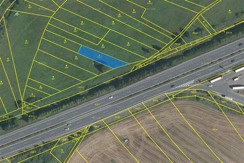 Trvalý travnatý porost 738 m2, k.ú. Záluží u Hořovic, okres Beroun