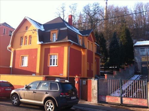 Rodinný dům, 2x 3+1 s příslušenstvím, pozemek 632m2, Dalovická, Karlovy Vary