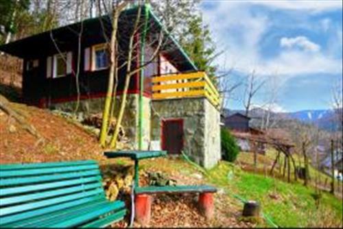 Rekreační chata 38 m2, kat. území Komorní Lhotka. okres Frýdek-Místek