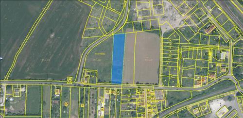 Stavební pozemek 3934m2, katastrální území Píšťany, okres Litoměřice