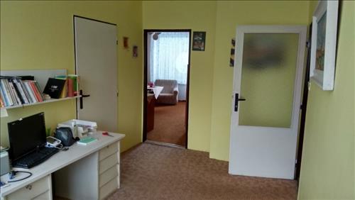 Prodej bytu 3+kk s garáží, podlahová plocha 74m2, k.ú. Broumov, okres Náchod