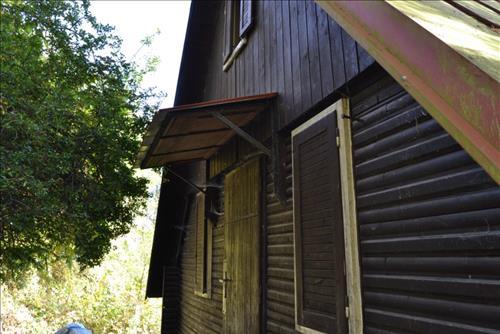 Prodej pozemku s chatou o výměře 84m2, k.ú. Kamenný Přívoz, okres Praha - západ