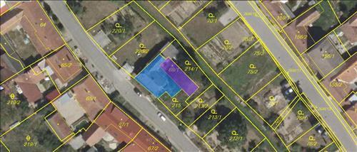 Podíl 5/6 rodinného domu, pozemek 537m2, k.ú. Uhřice u Kyjova, okres Hodonín