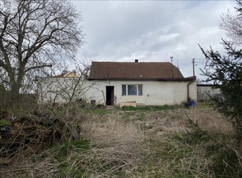 Prodej stavebního pozemku o výměře 1.100m2. k.ú.  Nedakonice, obec Nedakonice, okres Uherské Hradiště